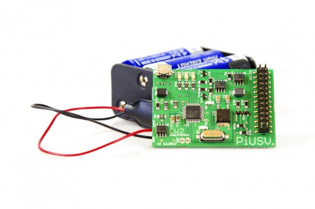 PiUSV mit angeschlossenem Batteriepack (Bild: Golem.de)