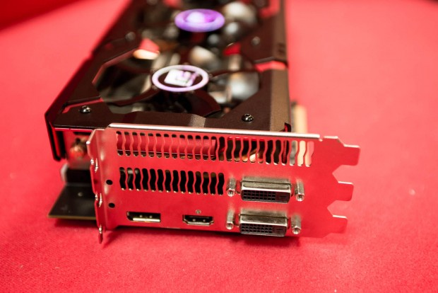 Radeon R9 290X Devil 13 (Bild: Fabian Hamacher/Golem.de)