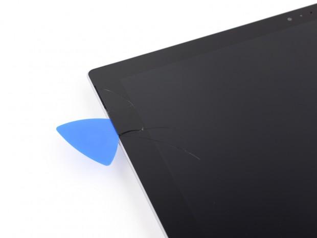 Displaybruch beim  Surface Pro 3 (Bild: iFixit)