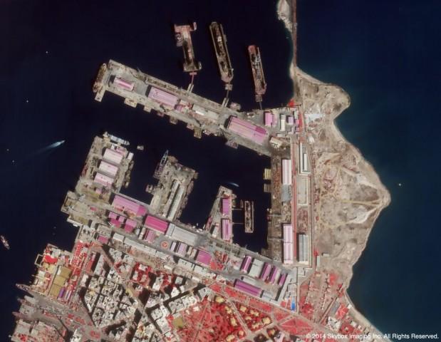 Der Satellit von Skybox Imaging fotografiert die Erde von oben - hier eine Infrarotaufnahme des Hafens von Port Fuad in Ägypten. (Foto: Skybox Imaging)