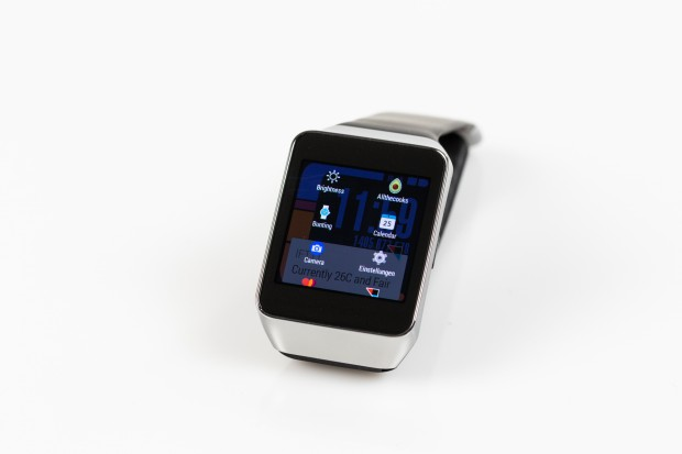 Mit einem Launcher hat der Nutzer eine bessere Übersicht über die auf der Uhr laufenden Apps. (Bild: Tobias Költzsch/Golem.de)
