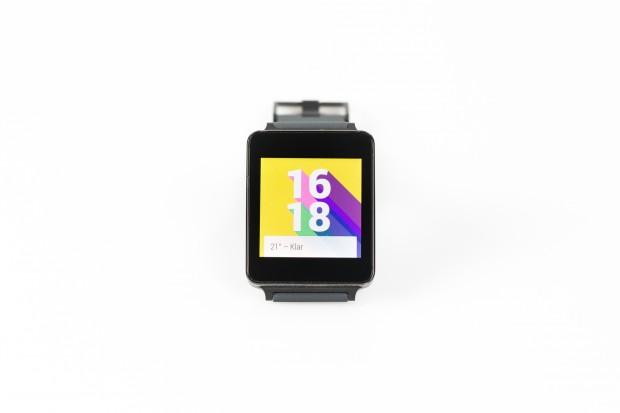 Android Wear auf der G Watch von LG (Bild: Tobias Költzsch/Golem.de)