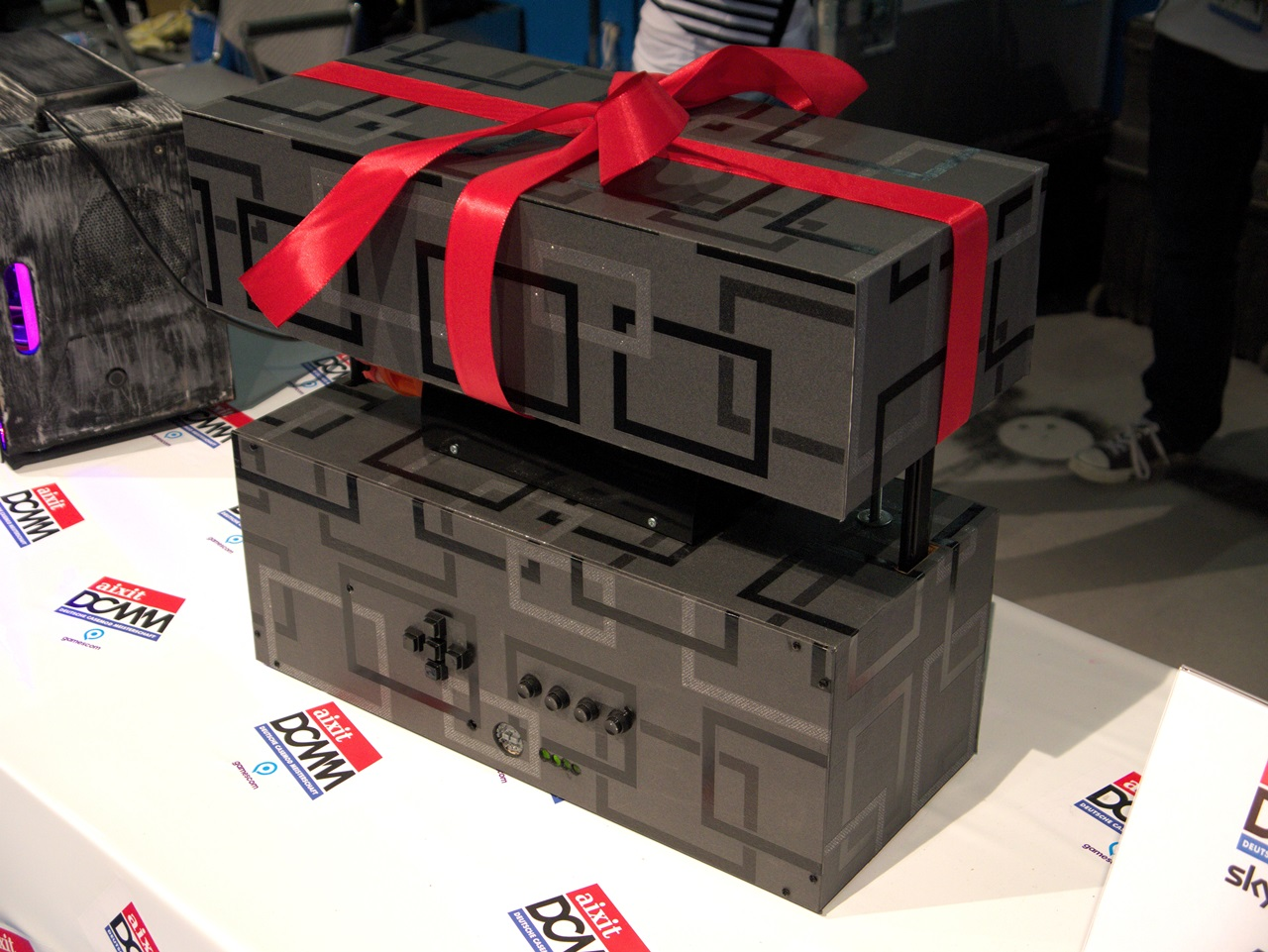 """DCMM 2014: Wenn PC-Gehäuse zu Kunstwerken werden - """"Surprise"""" von Mathias Streser (Bild: Sebastian Wochnik/Golem.de)"""