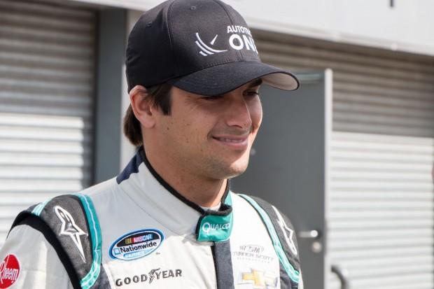 Kurze Verschnaufpause für die Fahrer: Nelson Piquet junior, der für China Racing startet, ... (Foto: Werner Pluta/Golem.de)