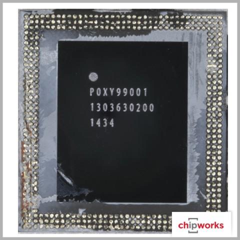 Das A8-Package, nachdem das darüber liegende DRAM (PoP) entfernt wurde. (Bild: Chipworks)