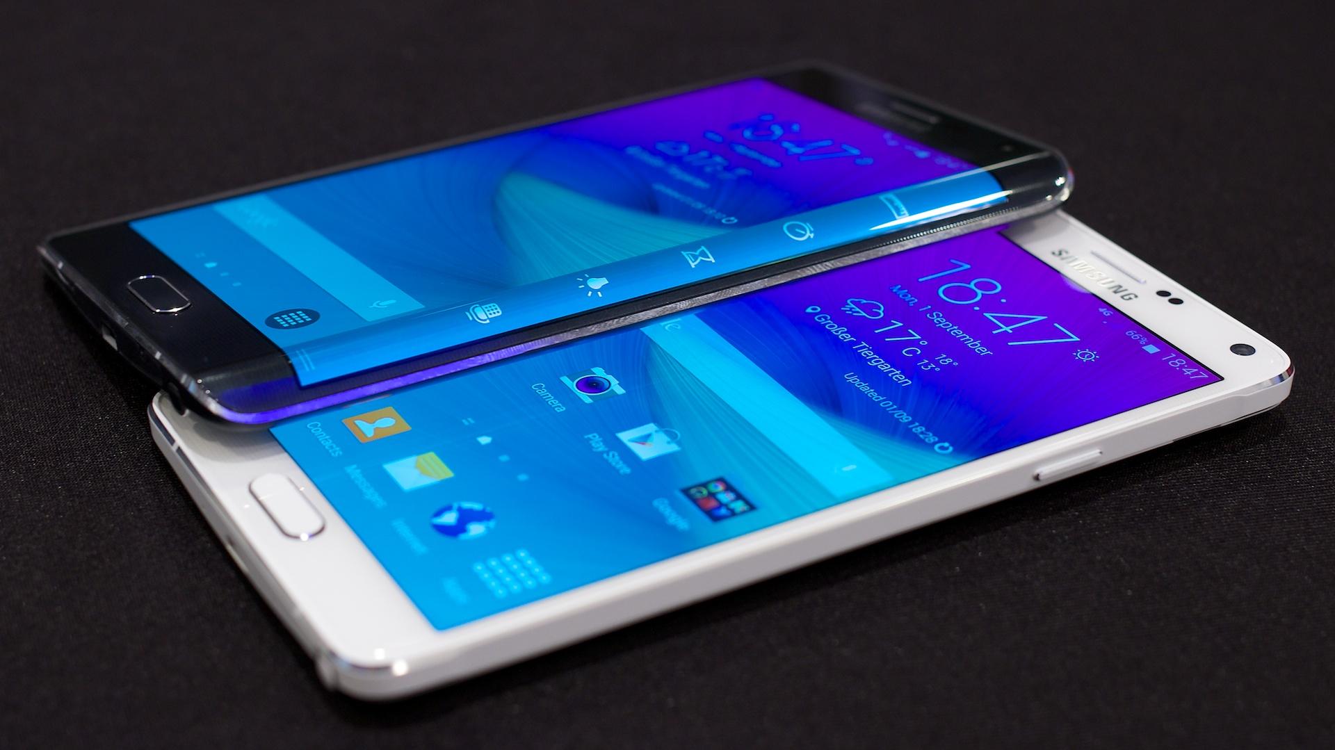 Markteinführung verzögert sich: Samsung bringt Galaxy Note 4 später - Das Galaxy Note 4 und das Galaxy Note Edge (Bild: Michael Wieczorek/Golem.de)