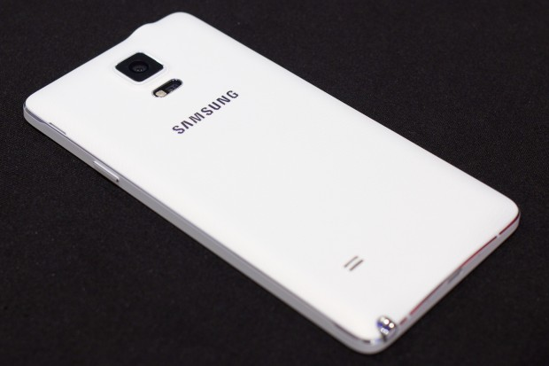 Das 5,7 Zoll große Smartphone hat ein 1440p-Display. (Bild: Michael Wieczorek/Golem.de)