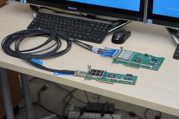 Unten ist Intels neuer 710XL-Adapter zu sehen. (Foto: Andreas Sebayang/Golem.de)