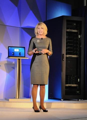 Intels Server-Chefin Diane Bryant stellt den Haswell-EP in San Francisco vor. (Foto: Nico Ernst/Golem.de)