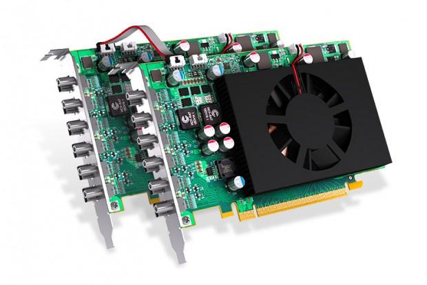 Zwei C680 mit Framelock-Kabel (Bild: Matrox)