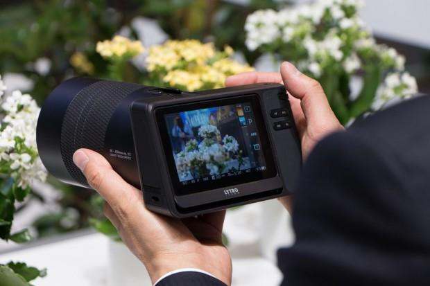 Auf dem Monitor sieht der Fotograf ein normales Sucherbild. (Foto: Werner Pluta/Golem.de)