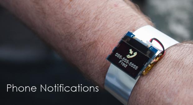 Display als Armband-Uhr mit Bluetooth-Modul<br>(Foto: TinyCircuits)