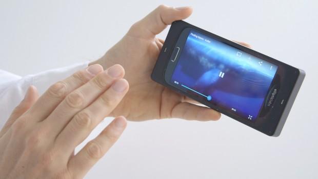 Smartphone mit Ultraschallgesten aufwecken (Bild: Elliptic Labs)