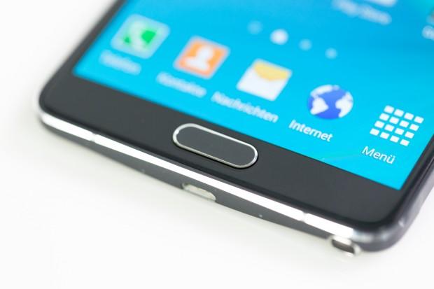 Das Note 4 hat einen Fingerabdrucksensor, der zuverlässiger arbeitet als der des Galaxy S5. (Bild: Tobias Költzsch/Golem.de)