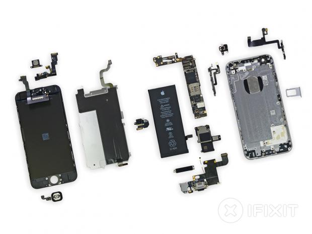 Zahlreiche Teile von Apple-Geräten, hier ein iPhone 6, stammen von Zulieferern. (Bild: iFixit)