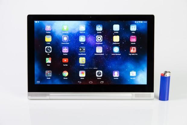 Das Yoga Tablet 2 Pro hat einen 13,3 Zoll großen Bildschirm, hier im Größenvergleich mit einem handelsüblichen Einwegfeuerzeug. (Bild: Tobias Költzsch/Golem.de)