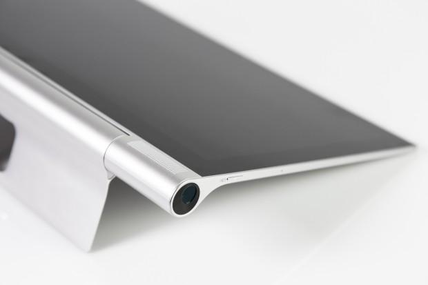 Highlight des Yoga-Tablets ist der eingebaute 480p-Beamer. (Bild: Tobias Költzsch/Golem.de)