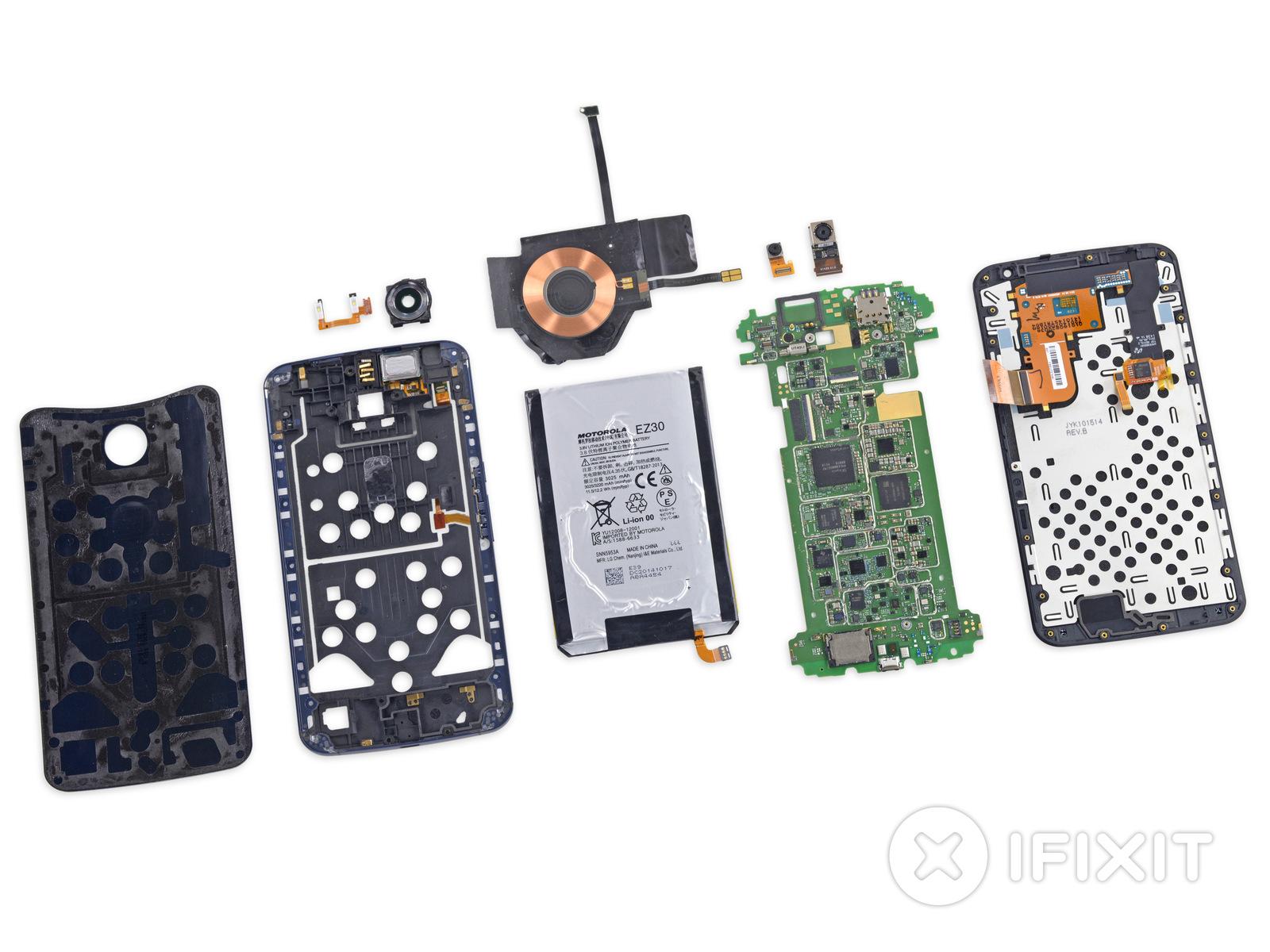 Teardown: Nexus 6 kommt mit wenig Kleber aus - Das auseinandergenommene Nexus 6 (Bild: iFixit)