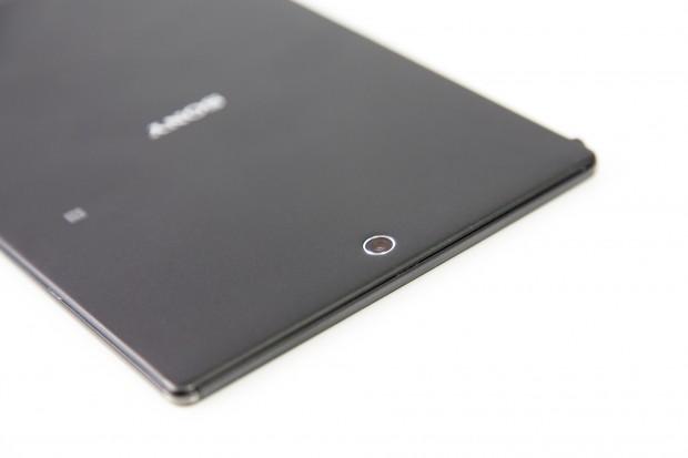 Die Verarbeitung des Z3 Tablet Compact ist sehr gut. (Bild: Tobias Költzsch/Golem.de)