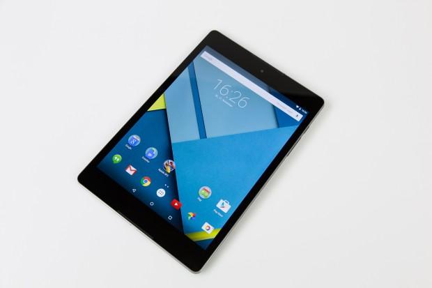 Im Nexus 9 steckt mit dem Tegra K1 von Nvidia einer der aktuell stärksten mobilen Chipsätze. In den Benchmarks schneidet das SoC deutlich über dem Durchschnitt der anderen Topgeräte ab. (Bild: Tobias Költzsch/Golem.de)