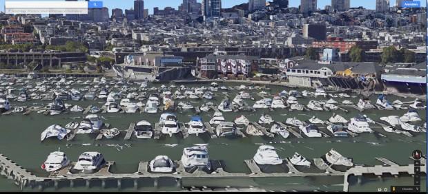 Neben dem Pier 39 zeigen die Boote die geringe Auflösung der 3D-Modelle. (Screenshot: Golem.de)