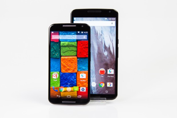 Das Moto X hat einen 5,2 Zoll großen Bildschirm, das Display des Nexus 6 ist mit 6 Zoll deutlich größer. (Bild: Tobias Költzsch/Golem.de)