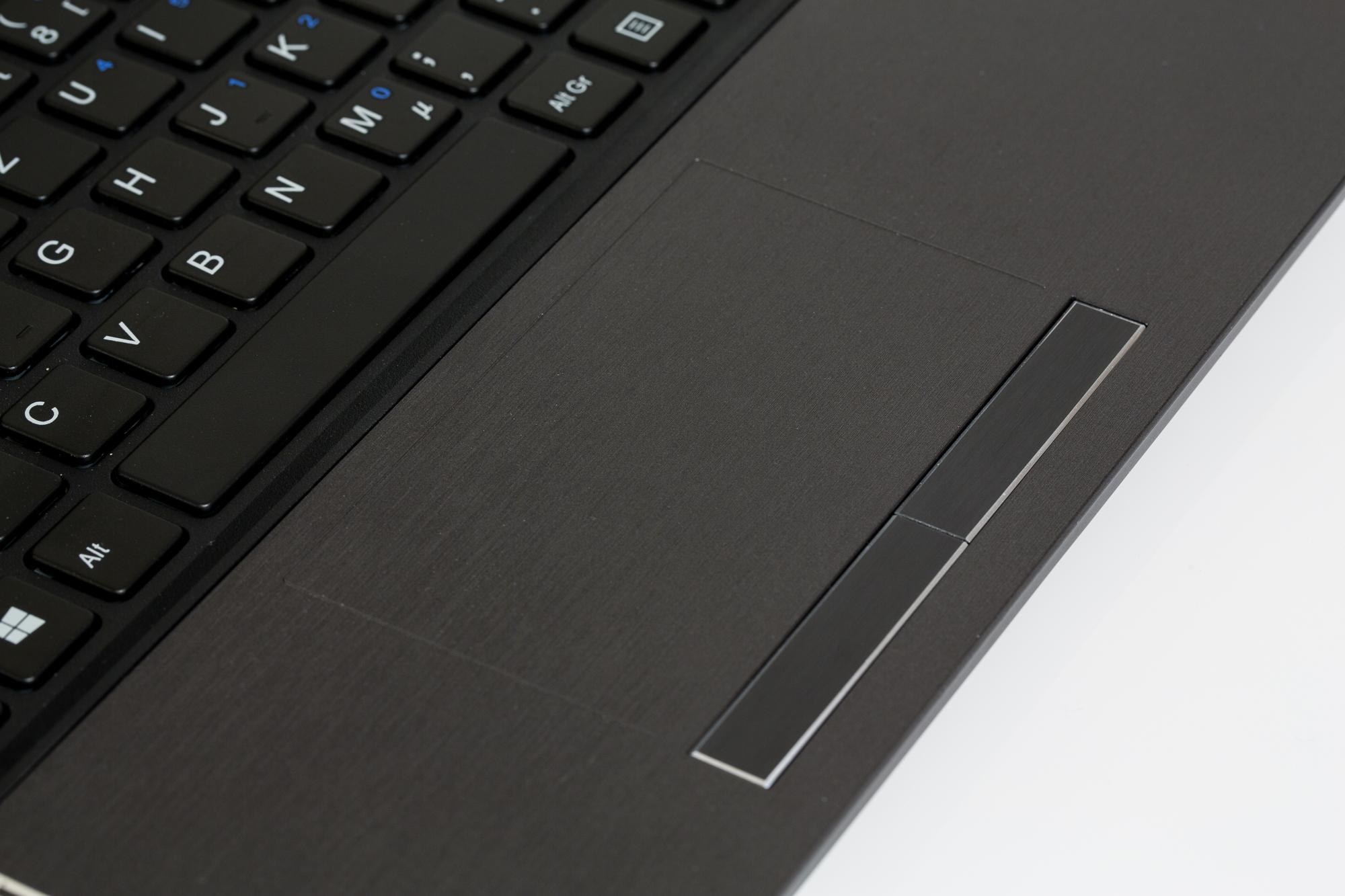 Kaufberatung: Worauf es bei einem Notebook ankommt - Touchpad mit dedizierten Maustasten (Bild: Fabian Hamacher/Golem.de)