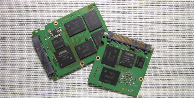 Samsung 850 Evo mit 1 TByte und 512 GByte (Bild: Anandtech)