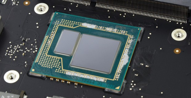 Eine Core i7-4570R mit EDRAM auf dem gleichen Träger (Bild: iFixit)