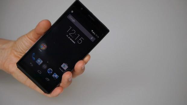 Beim Smartphone setzt Panasonic auf Android in Version 4.4 (Kitkat). Die Android-Oberfläche wird in der Standardversion ausgeliefert. (Foto: Petra Vogt)