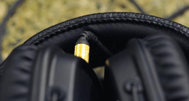 Besser abstecken: zusammengeklappt wird das Kabel geknickt. (Foto: Nico Ernst)