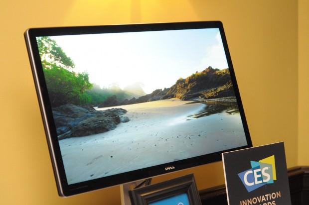 Dells 5K-Monitor braucht derzeit zwei Displayport-Kabel. Das will die Vesa ändern. (Fotos: Andreas Sebayang/Golem.de)