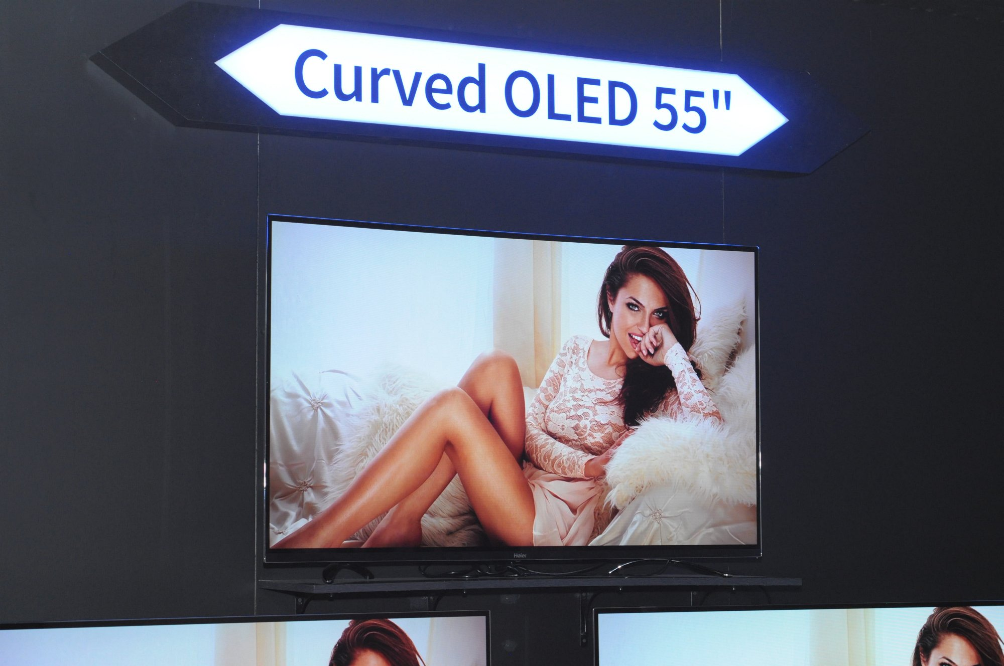 HDR und Dolby Vision: Die vorläufige Rückkehr der dicken Fernseher - OLED-Fernseher zeigte auch Haier. HDR ist hier jedoch noch kein Thema. (Foto: Andreas Sebayang/Golem.de)