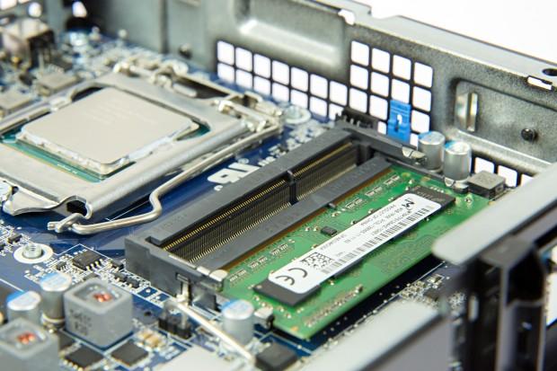 Unser Alienware Alpha bietet nur 4 GByte Speicher. (Bild: Martin Wolf/Golem.de)