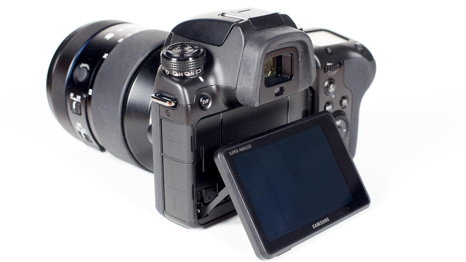 Test Samsung NX1: Profikamera oder nicht - Samsung muss noch viel lernen - Samsung NX1 (Bild: Andreas Donath)