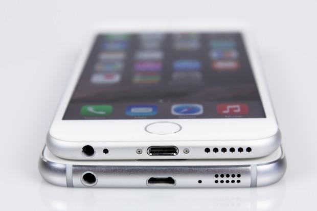 Das Galaxy S6 unten im direkten Vergleich mit dem iPhone 6 oben (Bild: Tobias Költzsch/Golem.de)