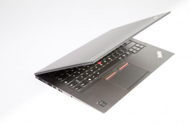 Lenovo Thinkpad X1 Carbon 2015 (Bild: Martin Wolf/Golem.de)