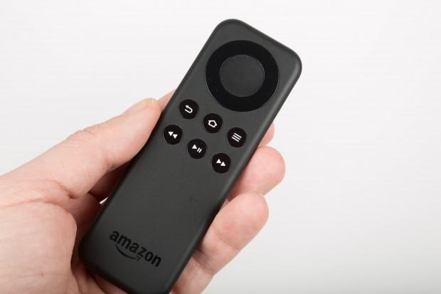 Der Bluetooth-Fernbedienung für den Fire TV Stick fehlt der Knopf für die Sprachsuche. (Bild: Martin Wolf/Golem.de)