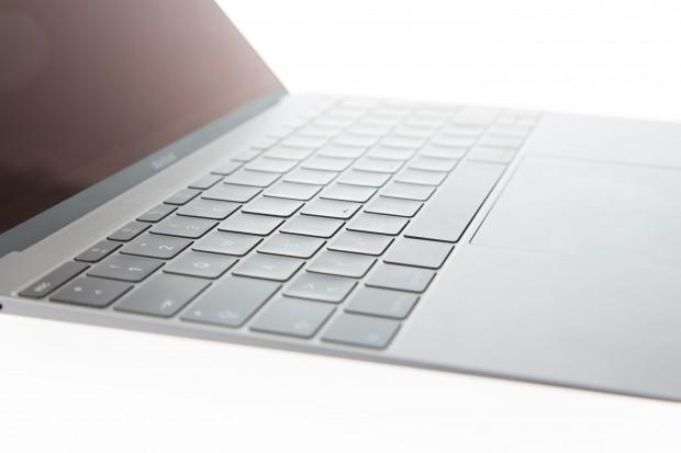 Das Macbook 12 ist sehr dünn. (Bild: Martin Wolf/Golem.de)