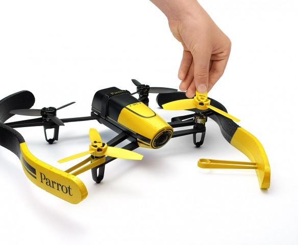 Der Quadcopter ist schnell zusammengebaut. (Bild: Parrot)