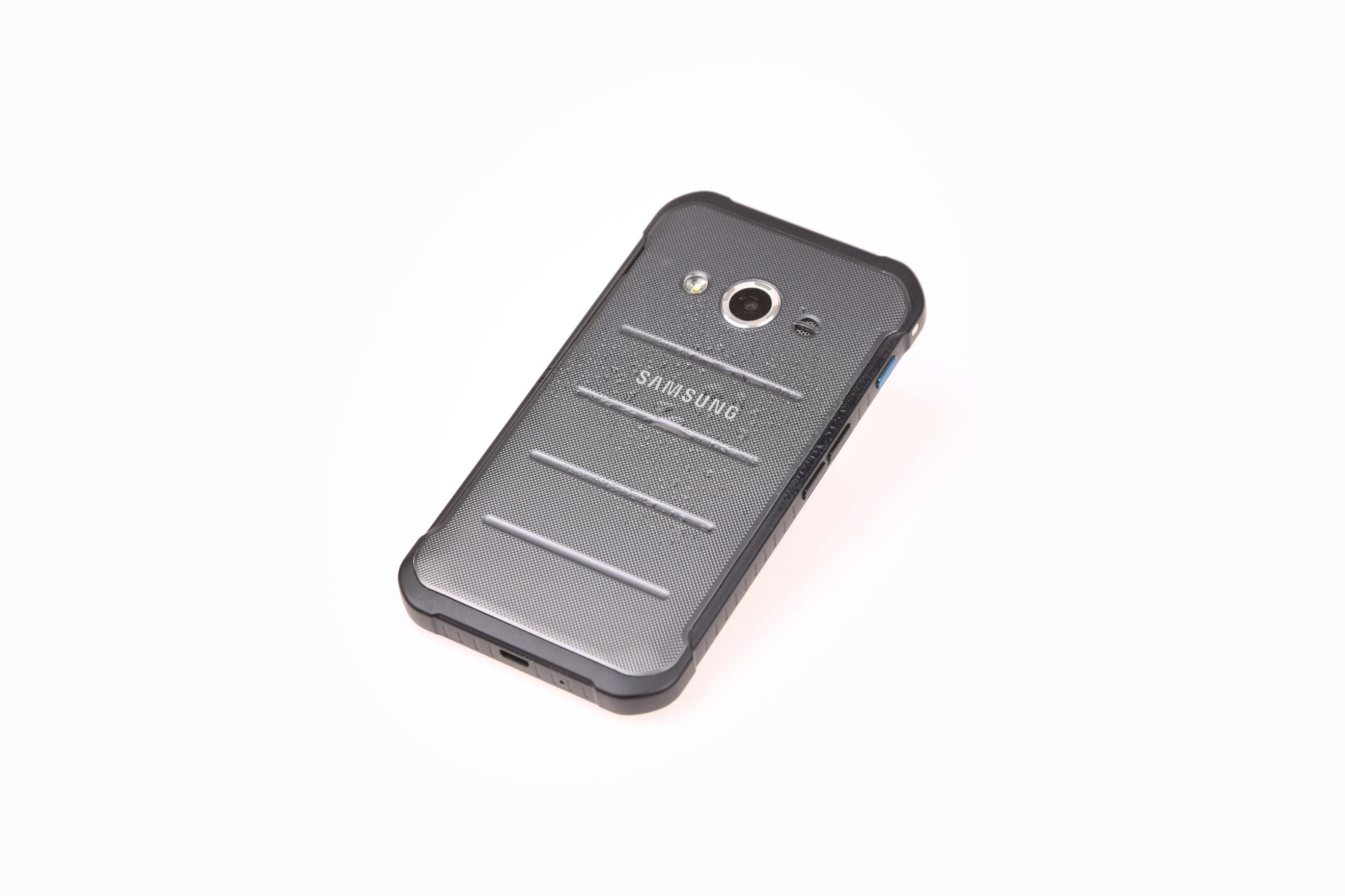 Samsung Xcover 3 im Test: Robust, handlich, günstig - Das neue Outdoor-Smartphone Xcover 3 von Samsung (Bild: Martin Wolf/Golem.de)