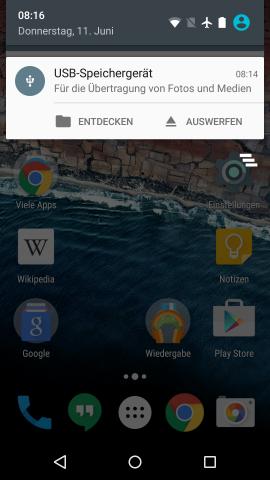 Im Benachrichtigungsbereich von Android M kann der Nutzer auf den angeschlossenem USB-Speicher zugreifen oder ihn auswerfen. (Screenshot: Golem.de)