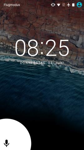 Im Sperrbildschirm von Android M gibt es keinen Telefon-Schnellaufruf mehr, sondern dafür Schnellaufruf der Sprachsteuerung. (Screenshot: Golem.de)