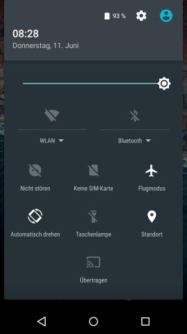 Die Schnelleinstellungen in Android M lassen sich weiterhin nur mit einem doppelten Fingerwisch oder einem Zweifingerwisch öffnen. (Screenshot: Golem.de)