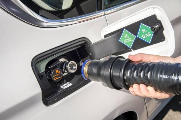 Hohe Reichweite: 5er BMW mit Wasserstoffantrieb kommt 500 km weit - BMW 5er Gran Turismo mit Wasserstoffbrennstoffzelle (Bild: BMW)
