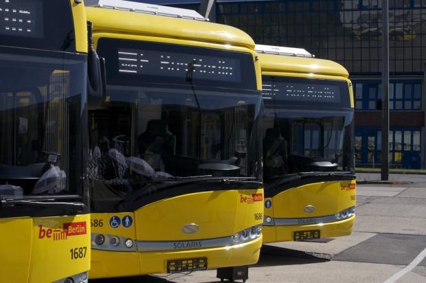 Die Busse verwenden die neue Komplettlackierung in Verkehrsgelb. (Foto: Andreas Sebayang/Golem.de)