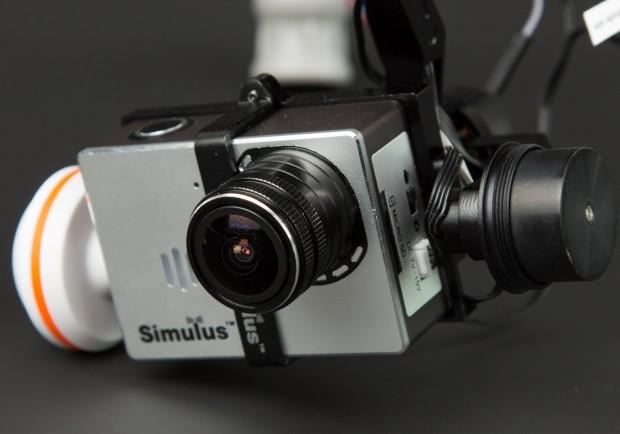 Die Kamera nimmt Video mit 1080p und 30 Bildern pro Sekunde auf, Fotos haben bis zu 12 Megapixel Auflösung. Leider kann die Fotofunktion nicht ferngesteuert ausgelöst werden.(Bild: Martin Wolf/Golem.de)