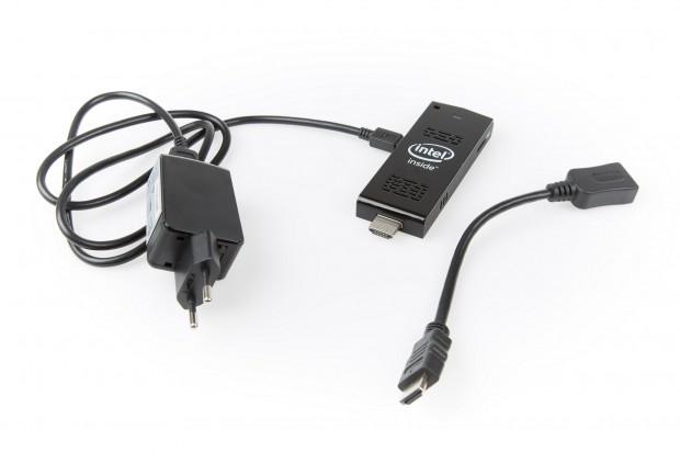 Der Compute Stick benötigt zwingend ein Netzeil (Bild: Martin Wolf/Golem.de)