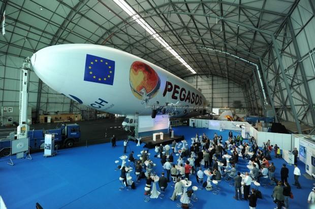 Auch Wissenschaftler schätzen die Vorzüge des Zeppelins - hier 2012 im Projekt Pegasos. (Foto: Felix Kästle/FZ Jülich)