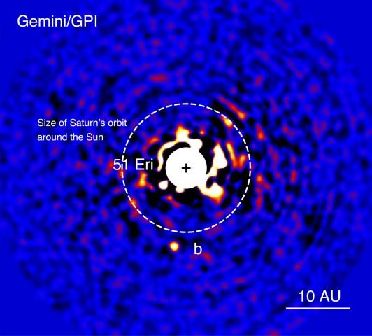 Das System 51 Eri. Der Stern ist entfernt worden, um den sehr viel lichtschwächeren Planeten zu erkennen. (Bild: J. Rameau, UdeM, & C. Marois, NRC Herzberg)
